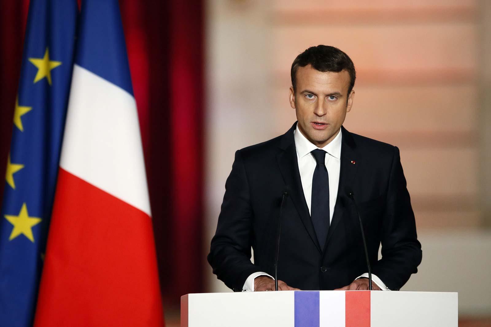 फ्रान्सका राष्ट्रपति इम्यानुअल म्याक्रोंको गालामा थप्पड हान्ने युवकलाई जेल