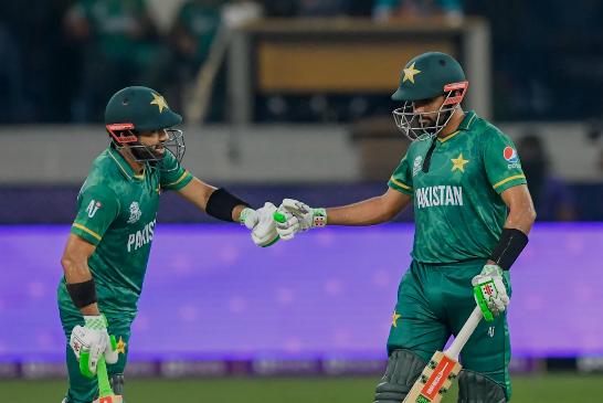 टी–ट्वान्टी विश्वकप : भारतविरुद्ध पाकिस्तान १० बिकेटले बिजयी